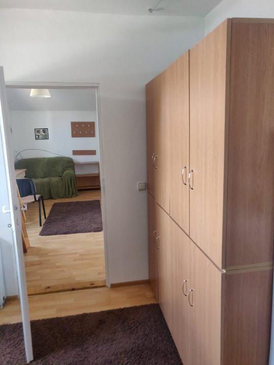 Apartament cu 2 camere, decomandat, de inchiriat, Calea Lipovei 4