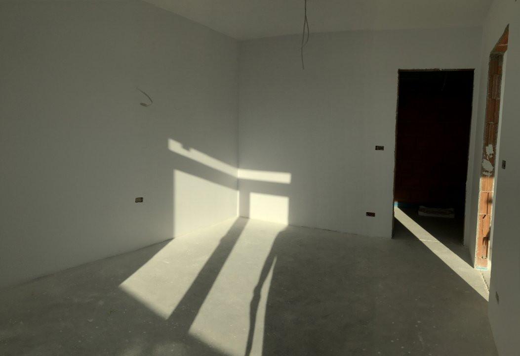 Apartament cu 3 camere, decomandat, de vanzare, zona Torontalului. 4