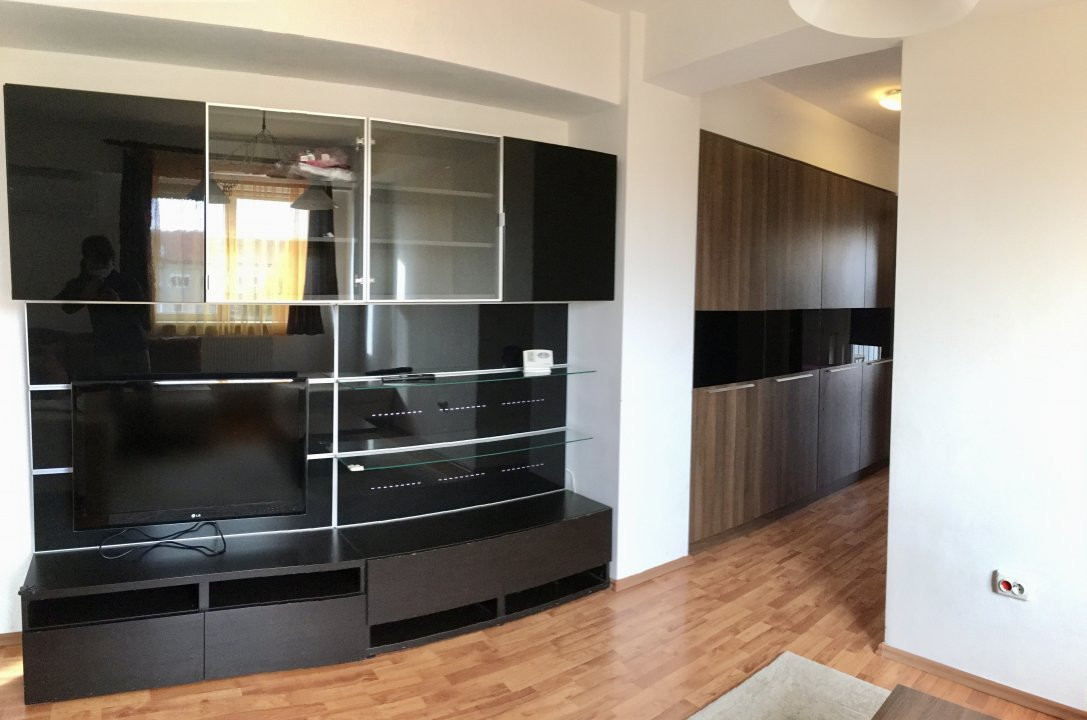 Apartament cu 2 camera, semidecomandat, de inchiriat, zona Lipovei. 8