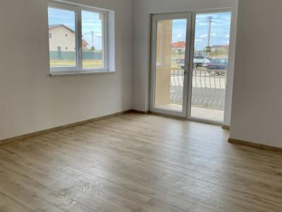 Apartament cu doua camere de vanzare | Centrala proprie | Semi-decomandat