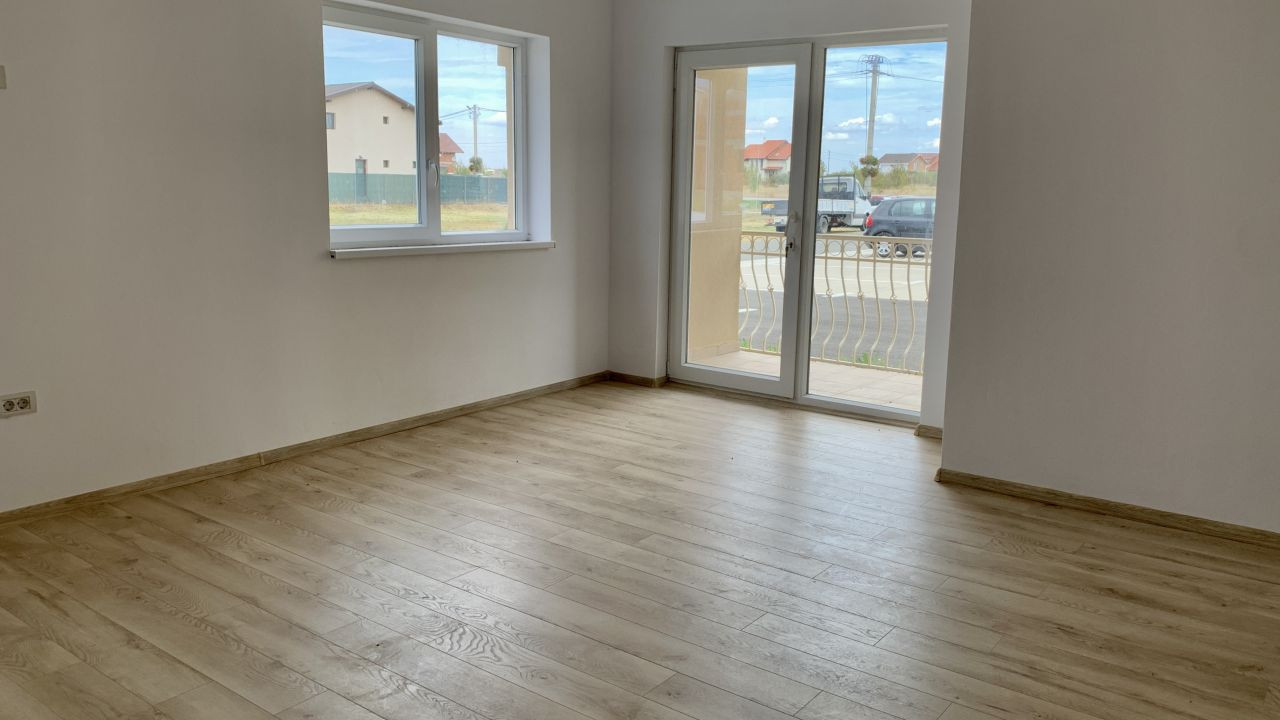 Apartament cu doua camere de vanzare | Centrala proprie | Semi-decomandat 1