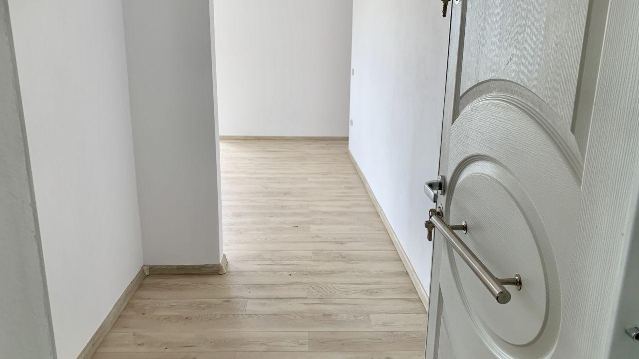 Apartament cu doua camere de vanzare | Centrala proprie | Semi-decomandat 2