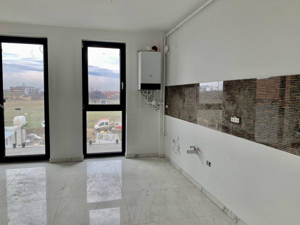 Apartament cu doua camere   Loc de parcare inclus   La intrare in Giroc 3