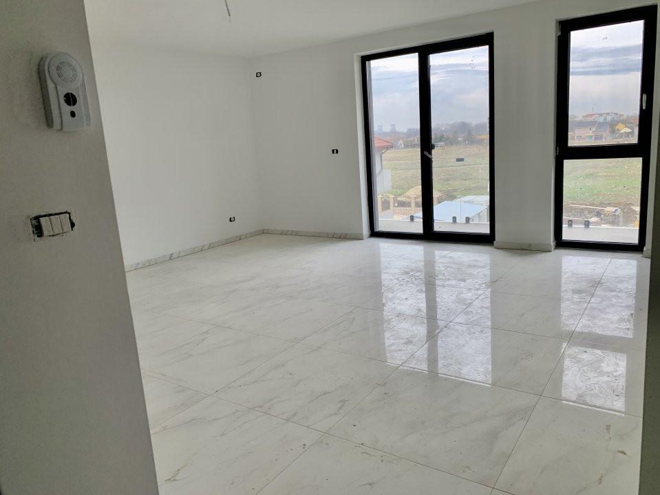Apartament cu doua camere   Loc de parcare inclus   La intrare in Giroc 5