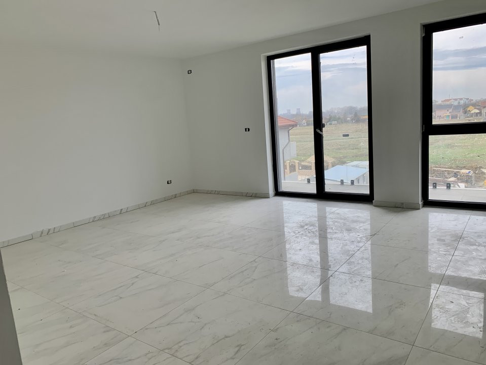 Apartament cu doua camere   Loc de parcare inclus   La intrare in Giroc 7