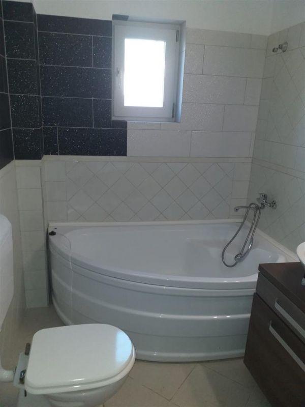 Casa 4 camere de vanzare in MOSNITA VECHE - ID V92 10