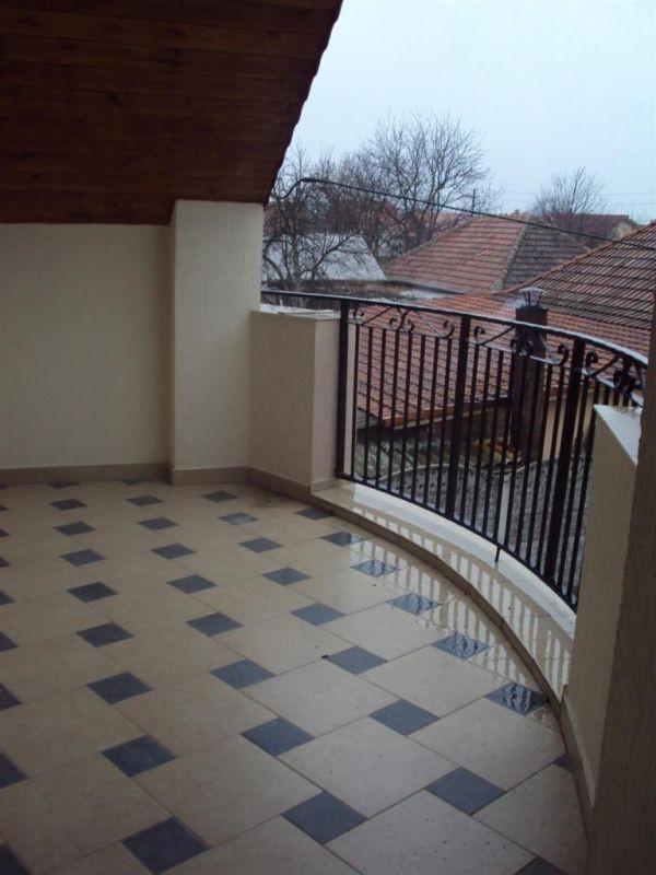 Casa 4 camere de vanzare in MOSNITA VECHE - ID V92 17