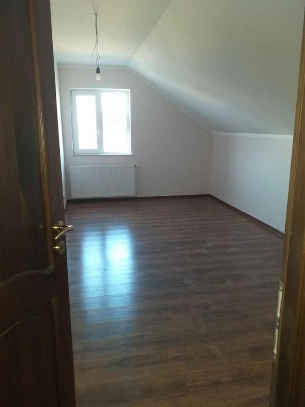 Casa 4 camere de vanzare in MOSNITA VECHE - ID V92 19