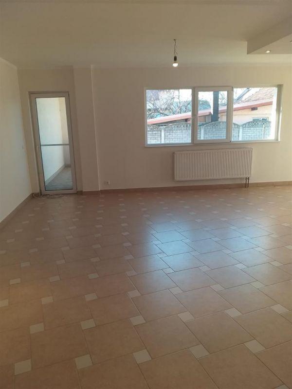 Casa 4 camere de vanzare in MOSNITA VECHE - ID V92 22