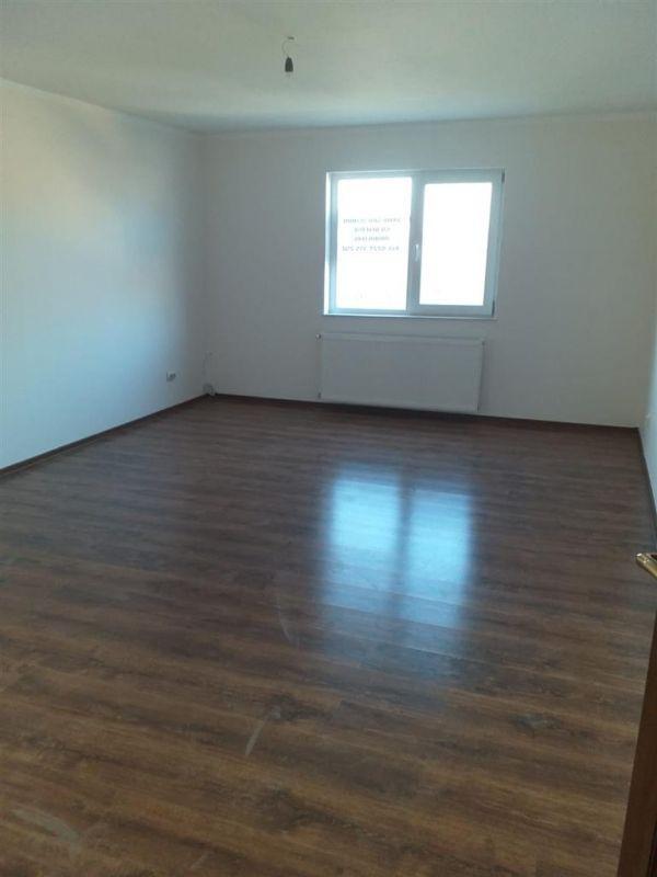 Casa 4 camere de vanzare in MOSNITA VECHE - ID V92 24