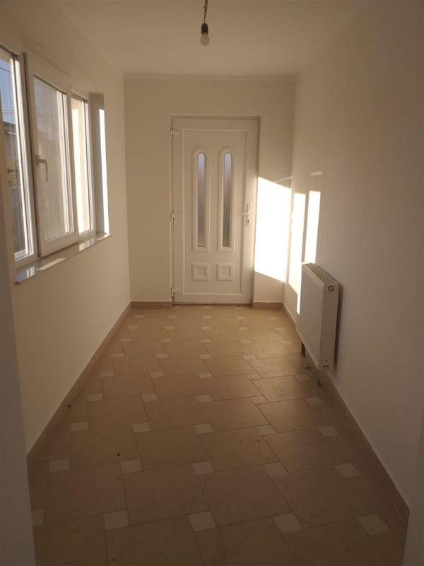 Casa 4 camere de vanzare in MOSNITA VECHE - ID V92 25