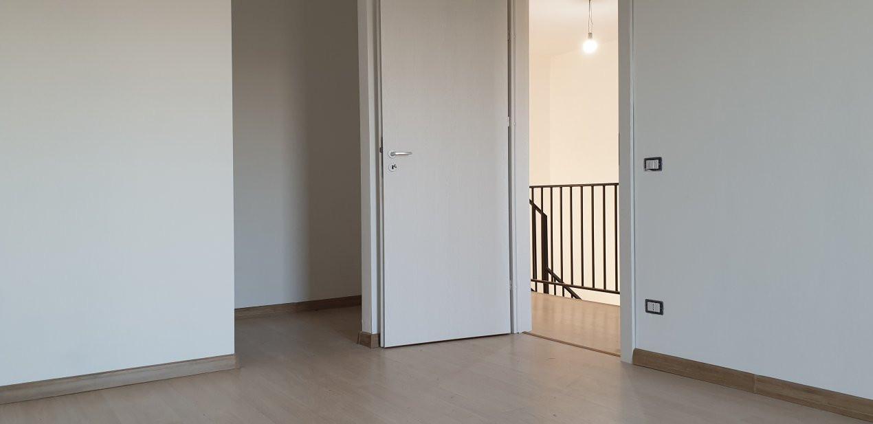 Duplex 4 camere de vanzare Mosnita Noua  11
