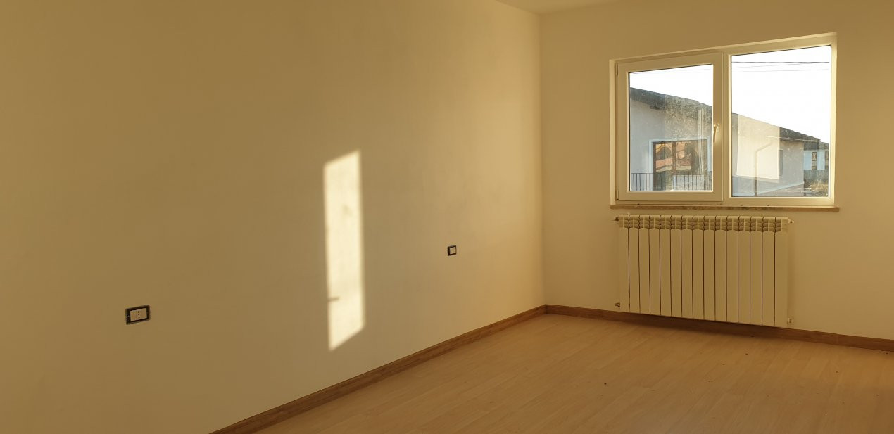 Duplex 4 camere de vanzare Mosnita Noua  16