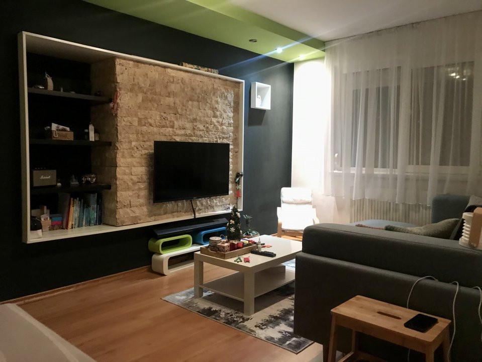 Apartament cu 3 camere, de vanzare, zona Dacia 1