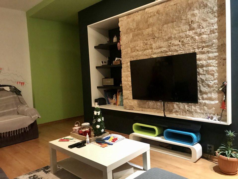 Apartament cu 3 camere, de vanzare, zona Dacia 2
