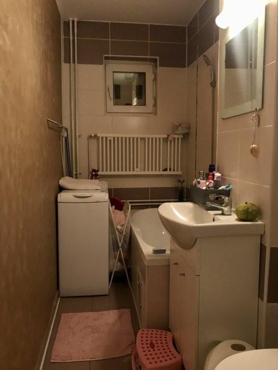 Apartament cu 3 camere, de vanzare, zona Dacia 14