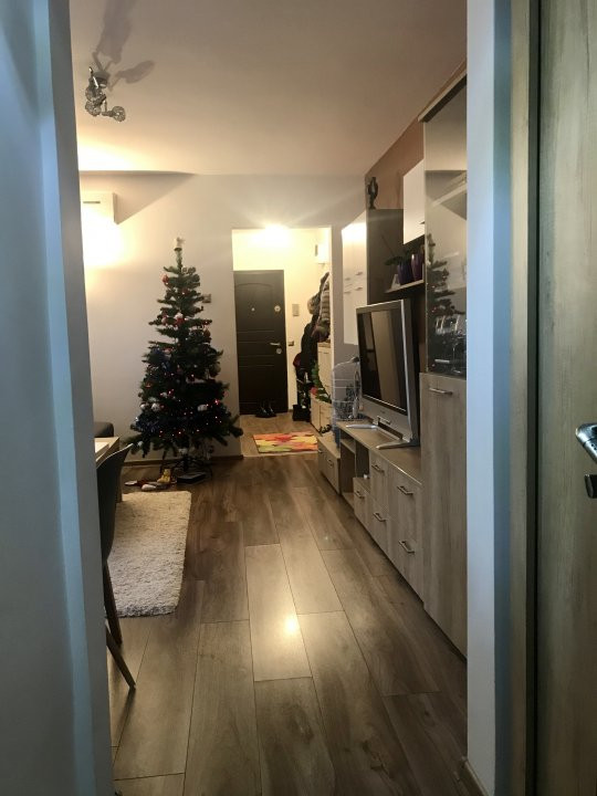 Apartament spatios cu 2 dormitoare si living, de vanzare, zona Aradului 11