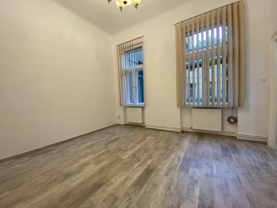 Piata Victoriei - Birou / Apartament cu o cameră 8