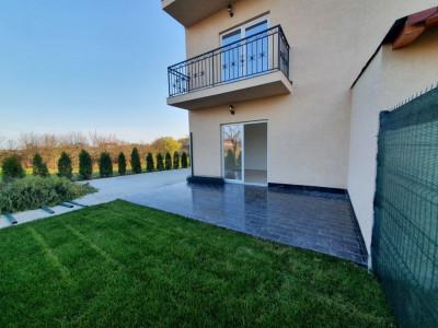 Apartament cu terasa si gradina de vanzare in Sanandrei - V941
