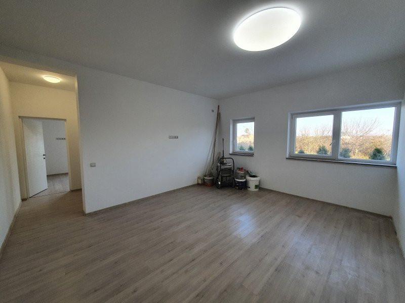 Apartament cu terasa si gradina de vanzare in Sanandrei - V941 4