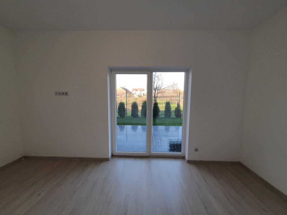 Apartament cu terasa si gradina de vanzare in Sanandrei - V941 8