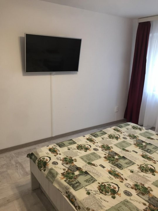 Apartament cu 1 camera, decomandat, de vanzare, zona Lipovei. 3