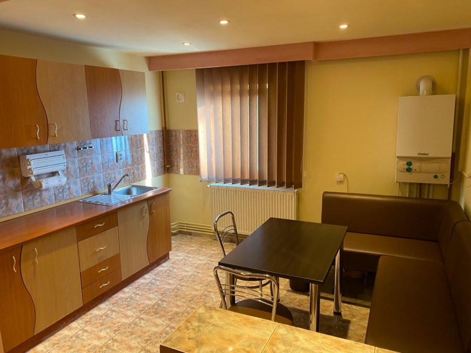 Apartament cu 2 camere, semidecomandat, de vanzare, zona Aradului. 6