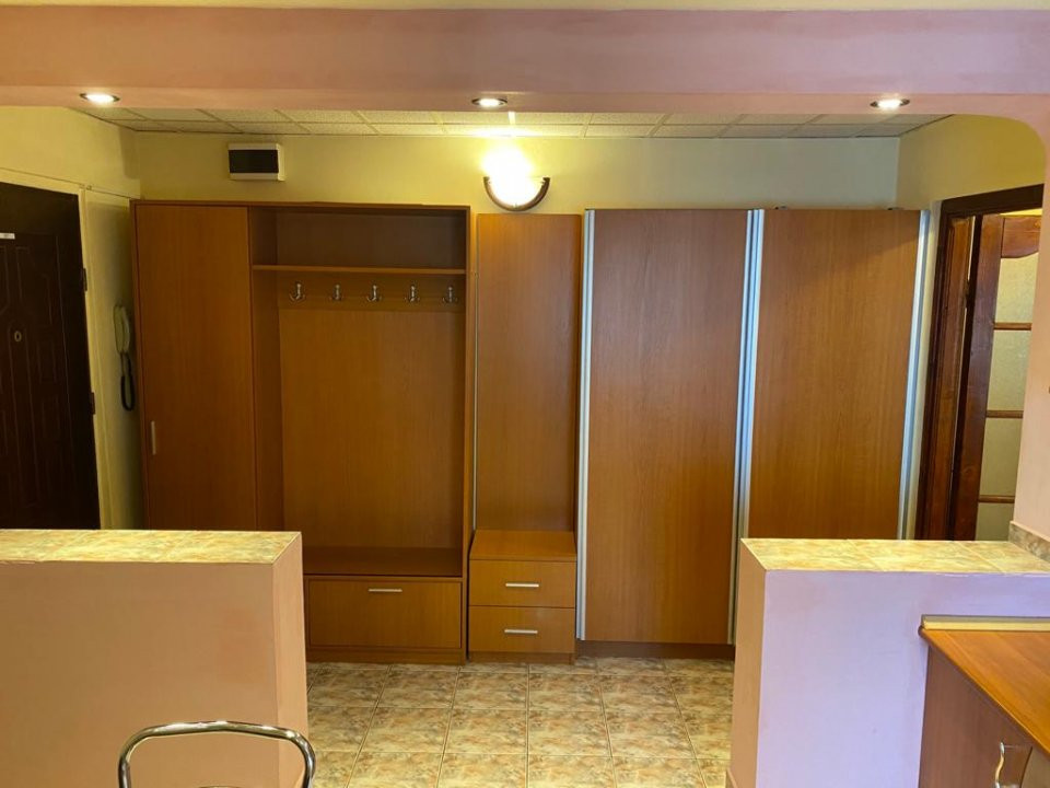 Apartament cu 2 camere, semidecomandat, de vanzare, zona Aradului. 8