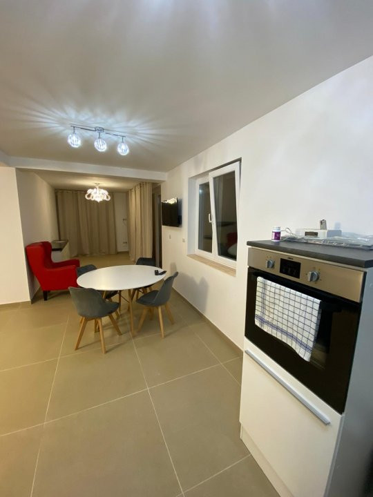 Apartament lux, 2 camere, prima inchiriere , zona Dumbravita  2