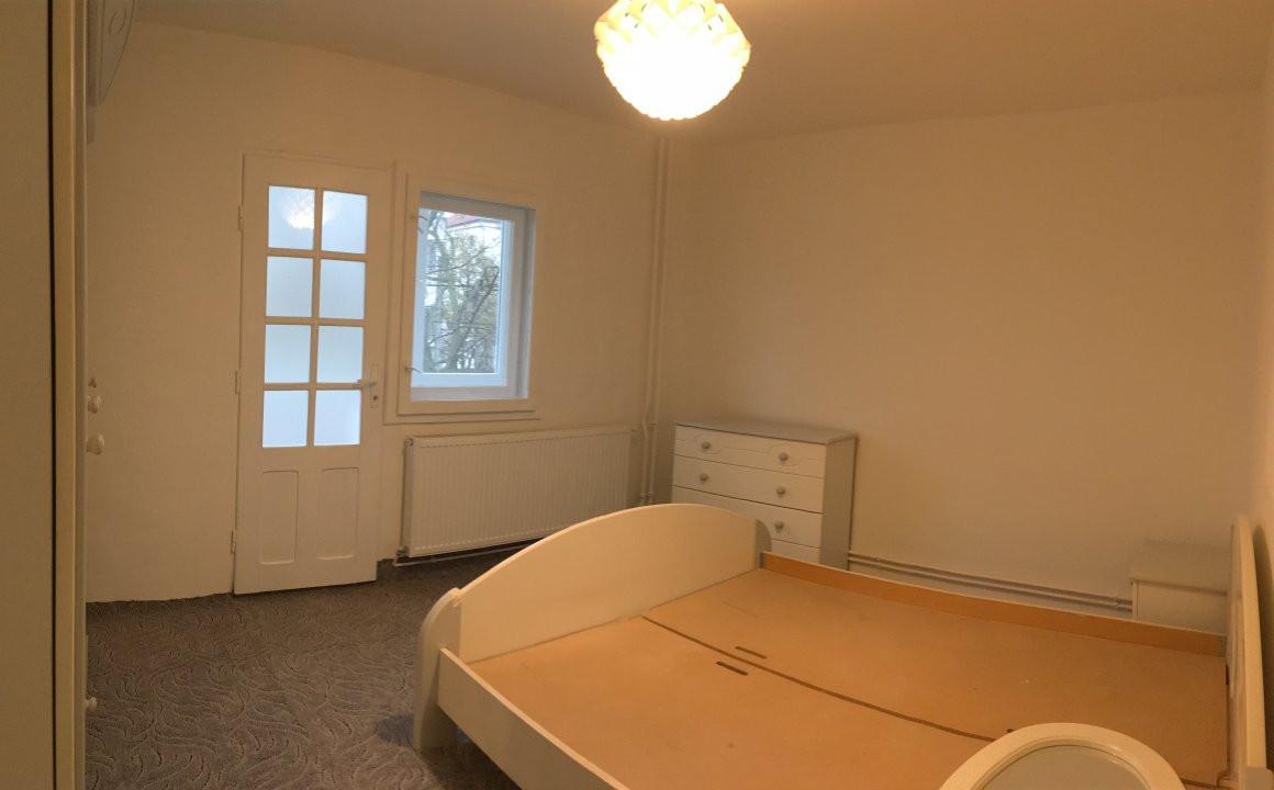 Apartament cu 2 camera, semidecomandat, de vanzare, zona Bucovina. 2