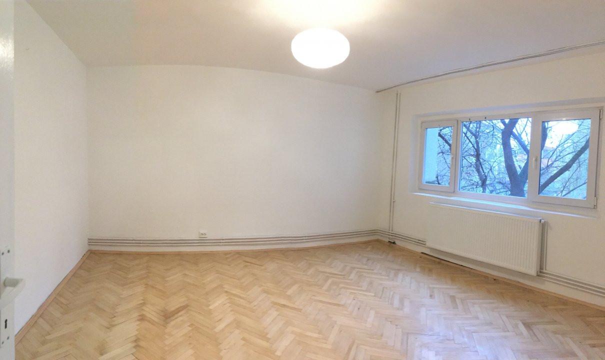 Apartament cu 2 camera, semidecomandat, de vanzare, zona Bucovina. 4