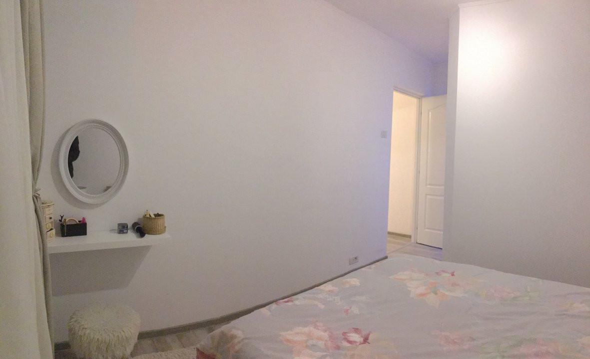 Apartament cu 3 camere, semidecomandat, de vanzare, zona Circumvalatiunii. 4