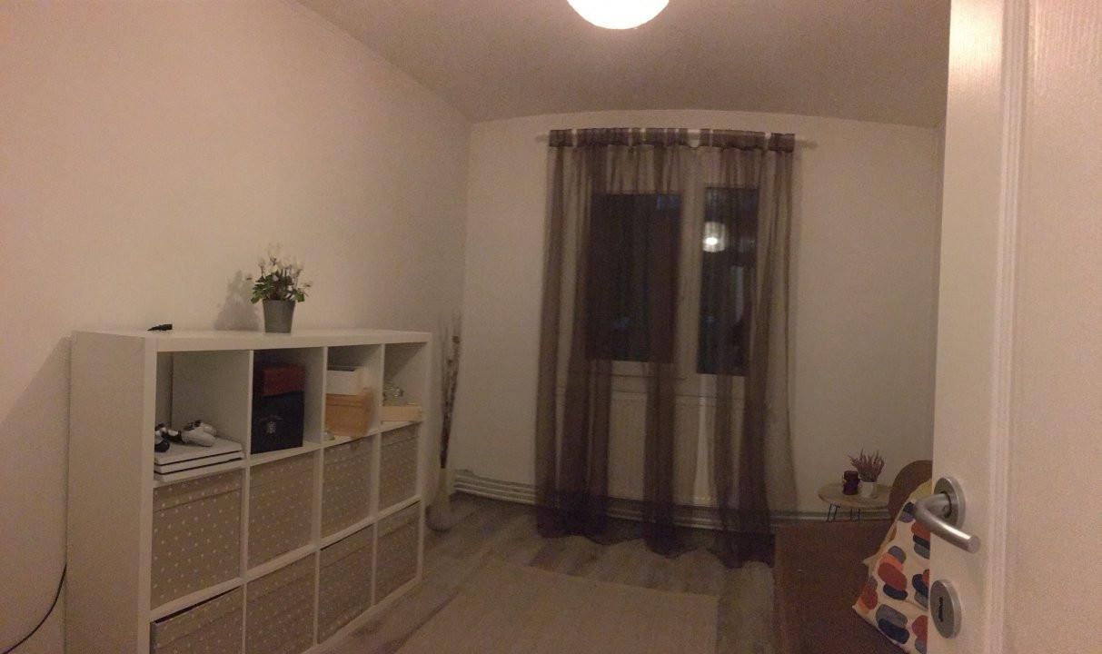 Apartament cu 3 camere, semidecomandat, de vanzare, zona Circumvalatiunii. 5