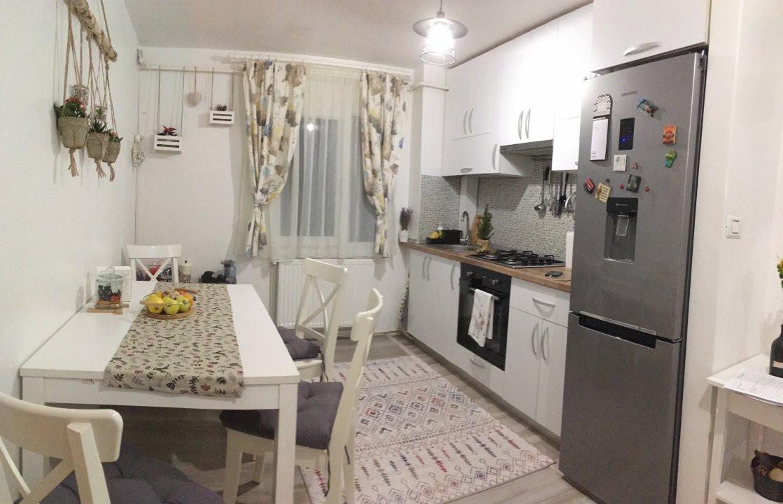 Apartament cu 3 camere, semidecomandat, de vanzare, zona Circumvalatiunii. 7