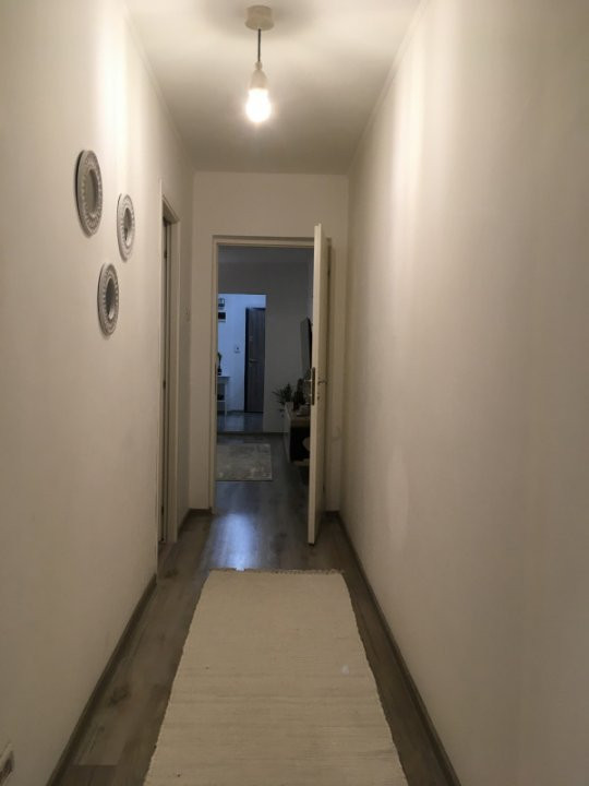 Apartament cu 3 camere, semidecomandat, de vanzare, zona Circumvalatiunii. 11