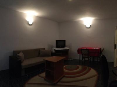 Apartament cu 2 camera, decomandat, de vanzare, zona Lipovei.