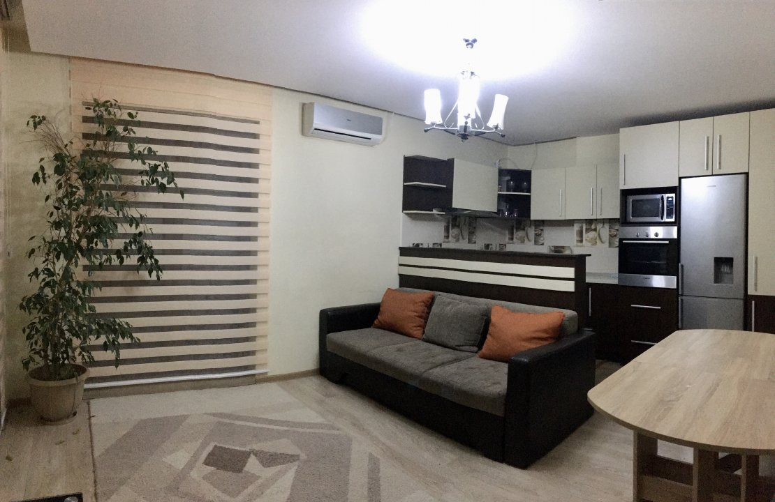 Apartament cu 3 camera, decomandat, de inchiriat, zona Lipovei. 1
