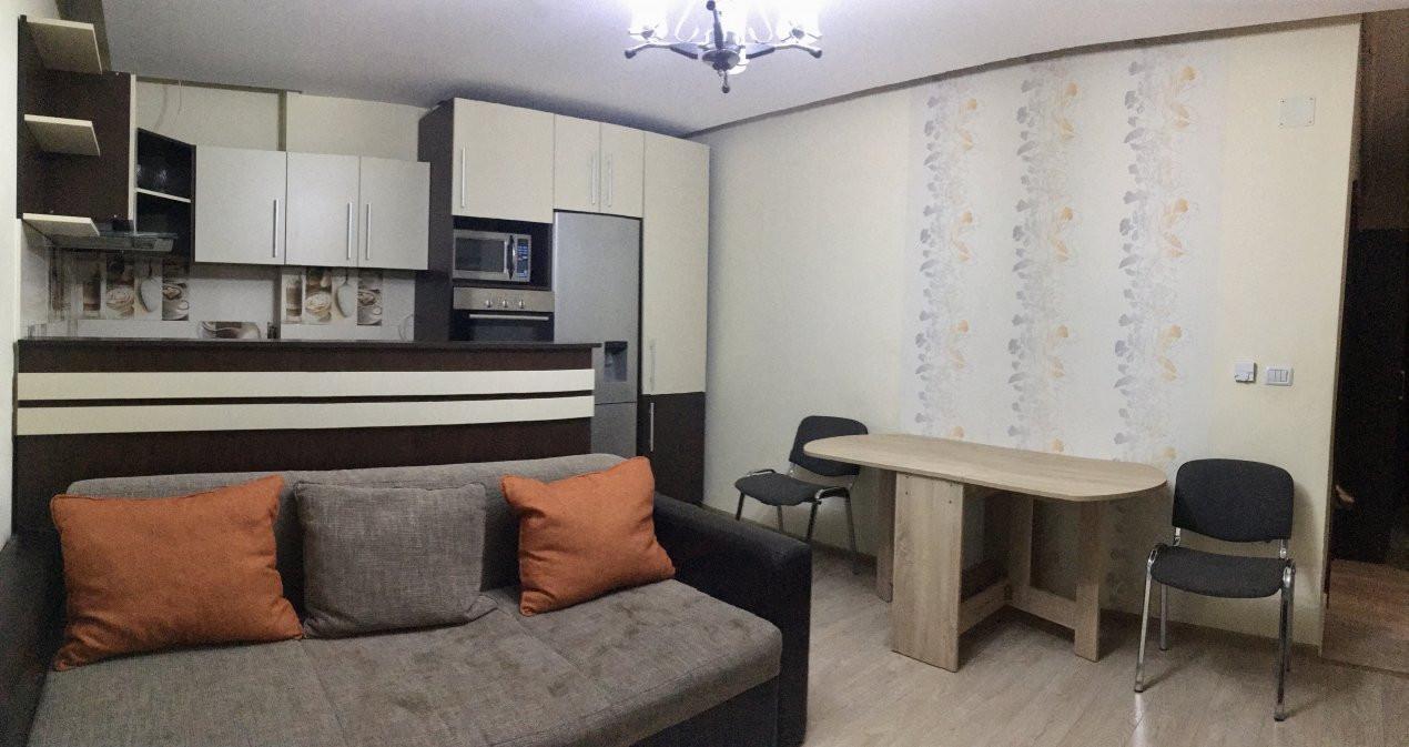 Apartament cu 3 camera, decomandat, de inchiriat, zona Lipovei. 2