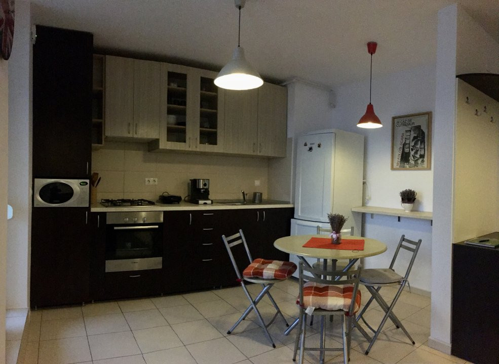 Apartament cu 2 camera, semidecomandat, de inchiriat, zona Aradului. 9
