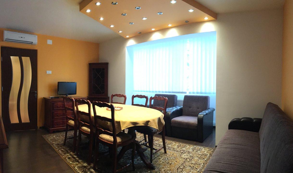 Apartament cu 3 camera, semidecomandat, de inchiriat, zona Circumvalatiunii. 1