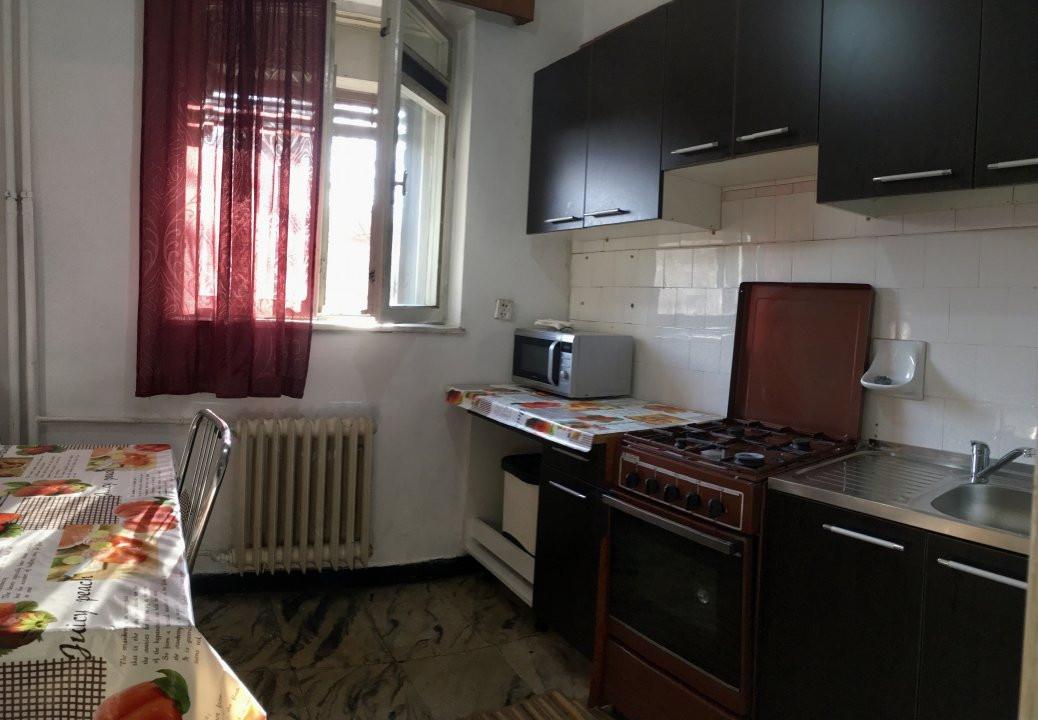 Apartament cu 2 camera, decomandat, de inchiriat, zona Take Ionescu. 6