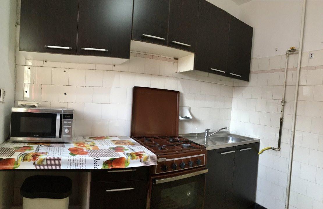 Apartament cu 2 camera, decomandat, de inchiriat, zona Take Ionescu. 7