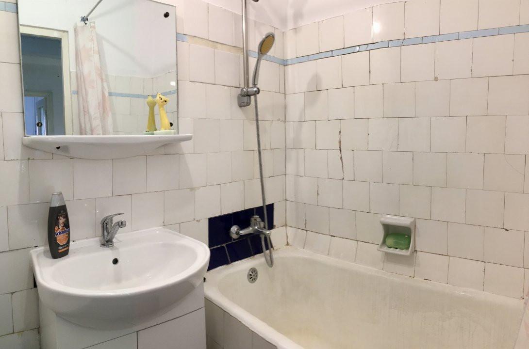 Apartament cu 2 camera, decomandat, de inchiriat, zona Take Ionescu. 8