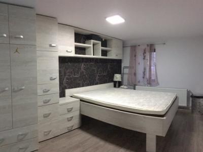 Apartament cu 2 camera, semidecomandat, de inchiriat, zona Medicina.