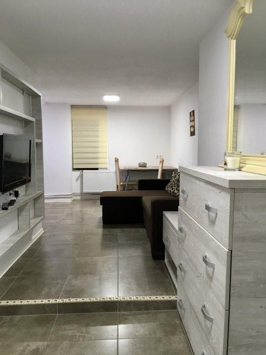 Apartament cu 2 camera, semidecomandat, de inchiriat, zona Medicina. 5