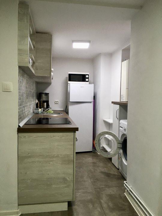 Apartament cu 2 camera, semidecomandat, de inchiriat, zona Medicina. 6