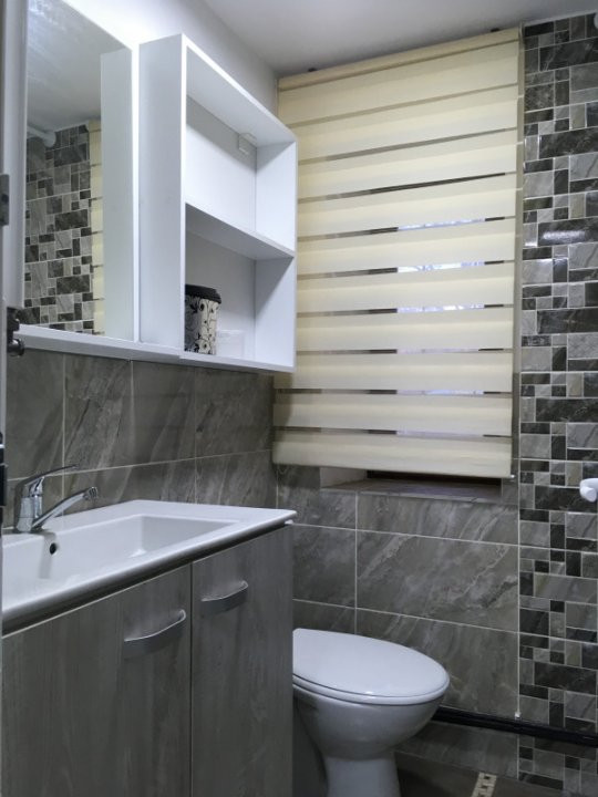 Apartament cu 2 camera, semidecomandat, de inchiriat, zona Medicina. 7