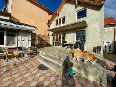Casa  Individuala, De vanzare, Zona Mircea cel Batran, 5 camere