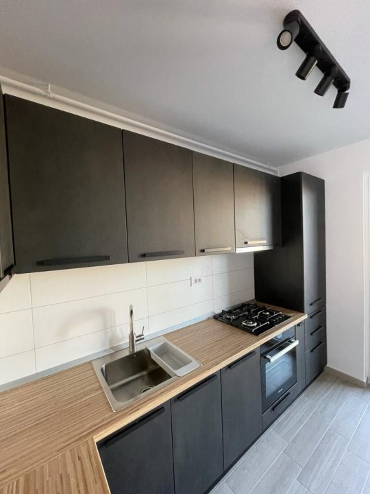 Apartament 2 camere, semidecomandat, de inchiriat, zona Aradului 4