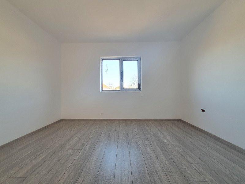 Casa individuala la cheie in Utvin - V990 3